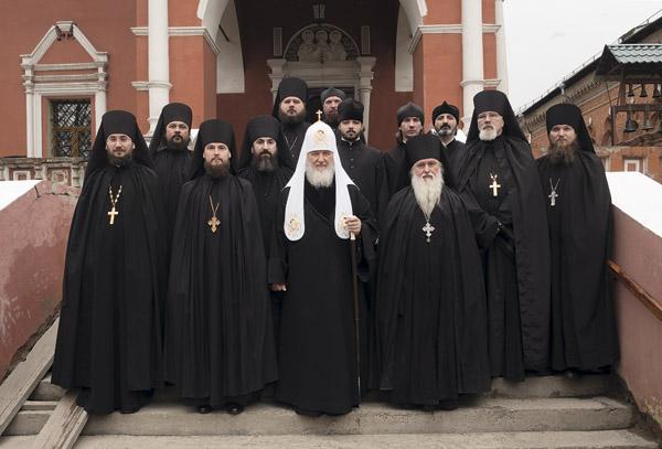 liturgie patriarche kiril au monastere vissoko petrovski a moscou lundi de la semaine sainte